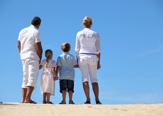 family-by-the-sea-pondering-future-528-376